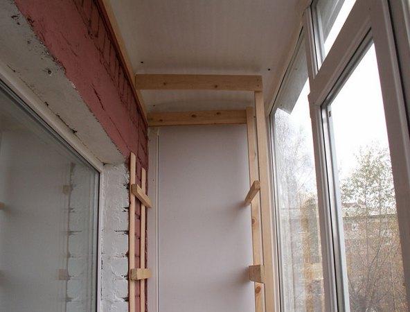 Как сделать шкаф на балконе своими руками: поэтапная инструк.
