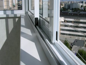 aluminieviy-profil-na-balkon[1]