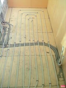 vodyanie-teplie-poli-na-balkone[1]