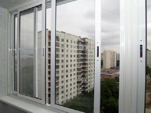 alyuminievyie-razdvijnyie-okna-dlya-balkona-lodjii-v-zaporojie[1]