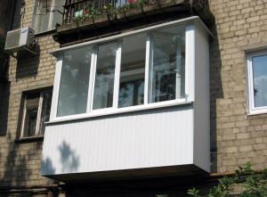 vagonka-pvx-snaruzhi-dlya-balkona[1]